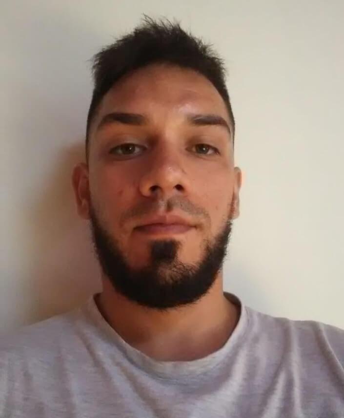 Leonardo Interno